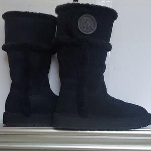 Michael Kors warm black winter snow boots Ugg like